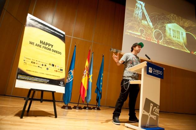 Alfredo Álvarez (Children of Darklight) en un momento de su  charla. (Foto de Nacho Cosío)