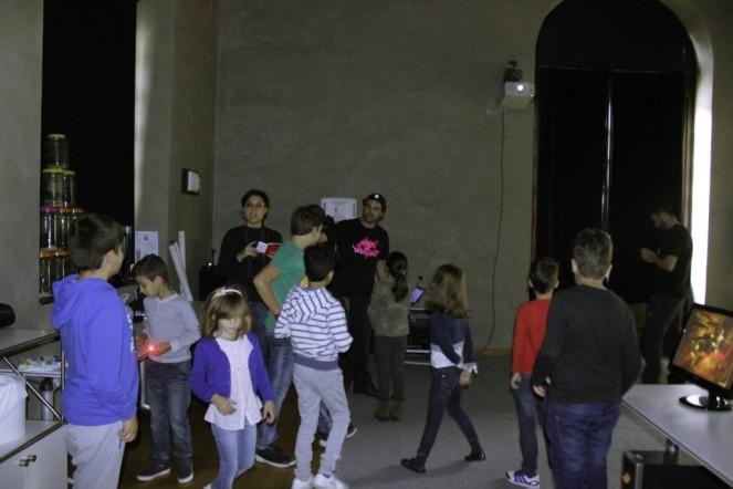 Taller de lightpainting para niños de Children of Darklight