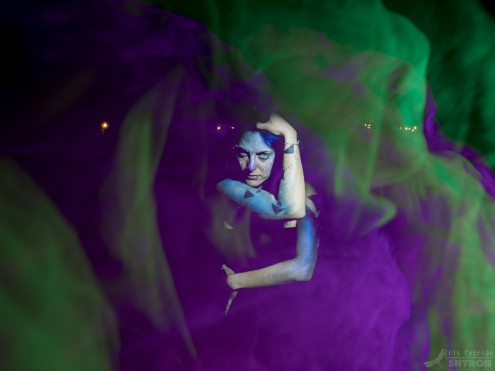 Bélgica. Foto: Iris Shyroii; model: Patry Diez; stylism: Patry Diez; lightpainters: Iris Shyroii; MUA: Nancy Nguyen