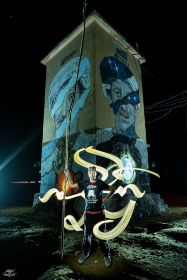 LIGHTPAINTERSUNITED #3 MERZOUGA MEETING 2018. Photo: Frodo DKL (Children of Darklight). Model: Sfhir. Lightpainters: Cisco Lightpainting & Frodo DKL & Patry Diez